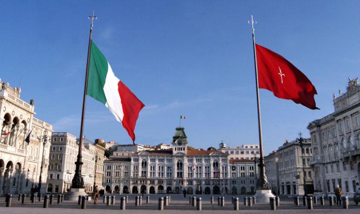 Le 100 bandiere che raccontano il mondo